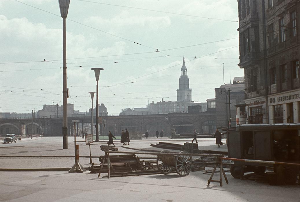Blick zum Hackeschen Markt um 1950