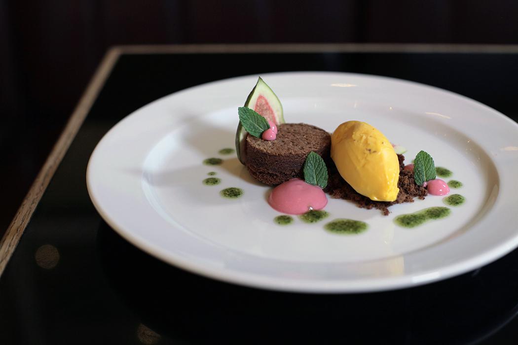 Schokoladen Brownie / gesalzene Karamell Eiscrème